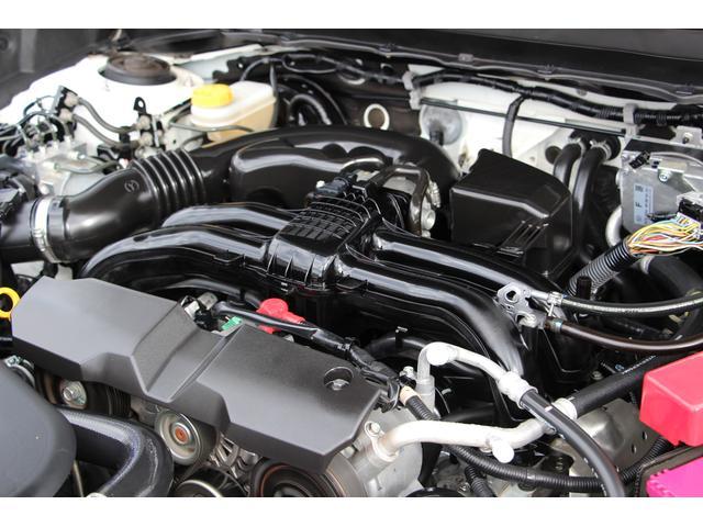 環境性能と走りと歓びを両立させた新世代BOXERエンジン。