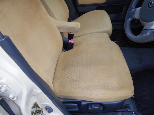 運転席モケットシート、入庫時の状態は、ブログに載せてますのでご覧下さい!