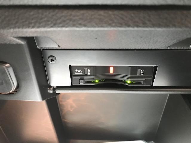 高速走行には便利なETC車載器が付いております。