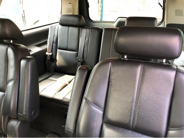 シボレー シボレー サバーバン LT 新車並行実走行証明書付 ブラックレザーシートサンルーフ