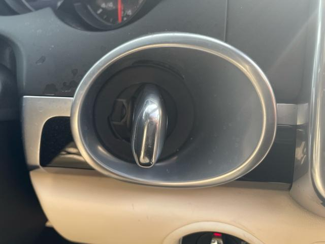 ターボ ティプトロニックS 4WD パノラマサンルーフ プライバシーガラス エントリー&ドライブ ドラレコ BOSEサラウンドシステム パワーシート TVキット 後席シートヒーター&リクライニング ETC 電動リアゲート(17枚目)