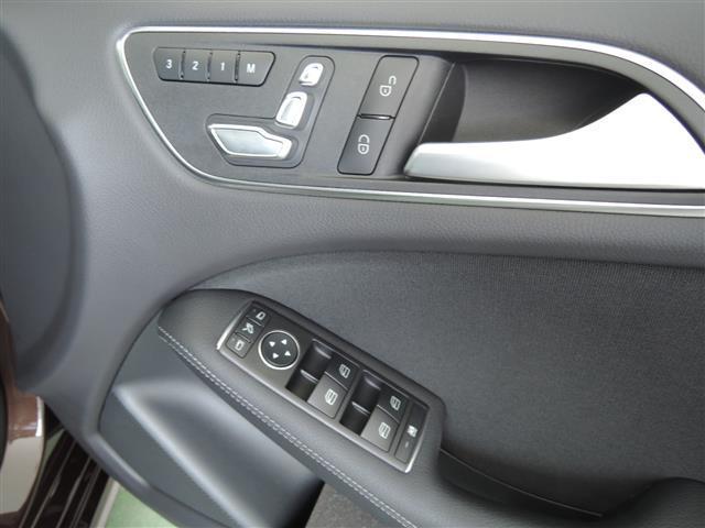 メルセデス・ベンツ M・ベンツ B180 ベーシックパッケージプラス レーダーセーフティP