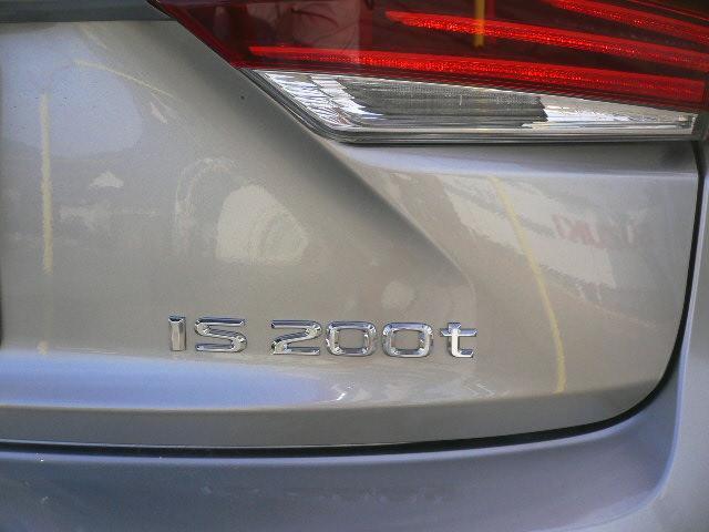 IS200t バージョンL サンルーフ 黒革シート ナビ(9枚目)