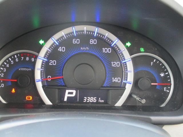 燃費計付スピードメーターです。ほかにも便利な表示がありますよ。(^^ゞ