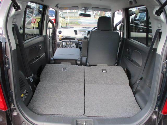 助手席も倒せば長物も積むことができます。(^_-)