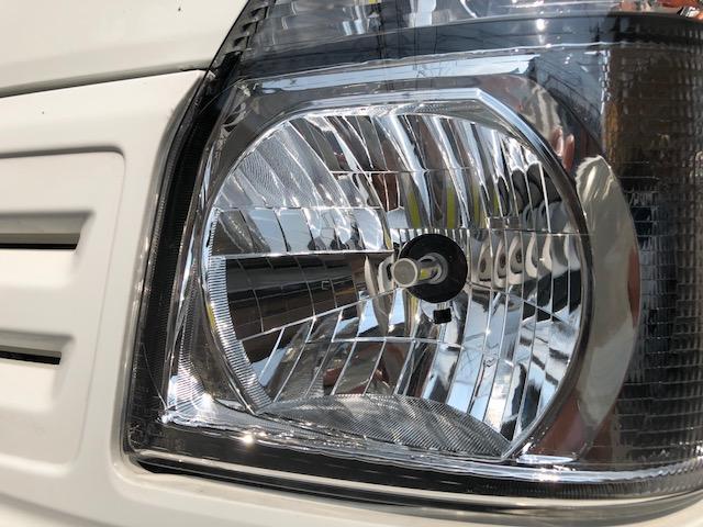 社外LEDヘッドライトです。