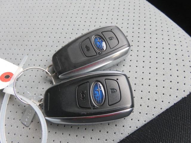 「スバル」「XVハイブリッド」「SUV・クロカン」「広島県」の中古車45