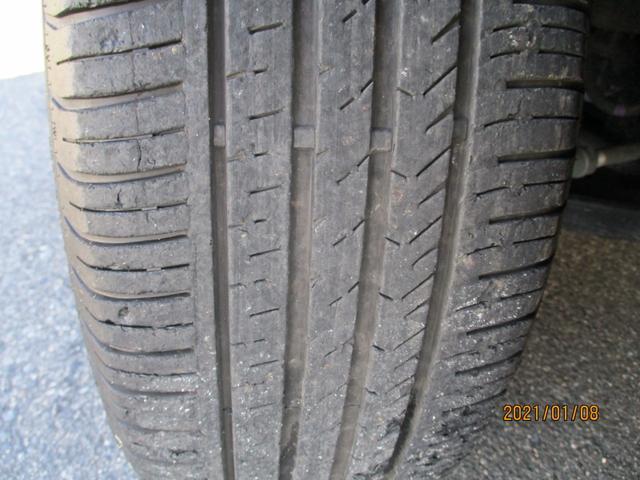 タイヤの溝に関しましては交換時期が迫ってきています。格安タイヤの取り扱いもありますのでお気軽にお問い合わせください。