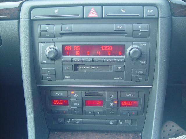 アウディ アウディ A4 2.0SE HID 黒革シート ETC付 ワンオーナー車