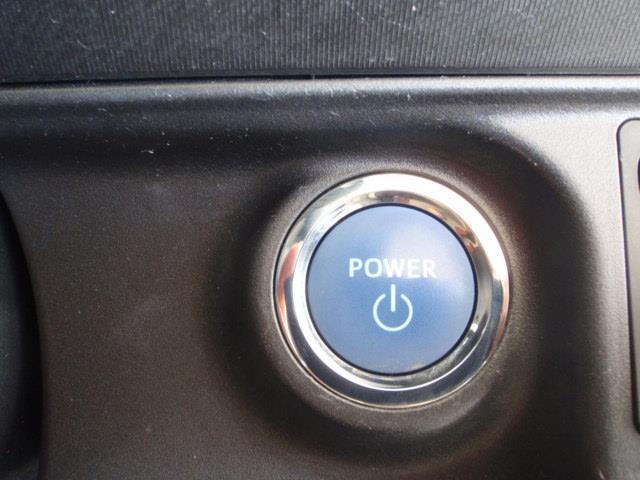 トヨタ アクア S CD メディアプレイヤー接続 社外アルミ イモビライザー