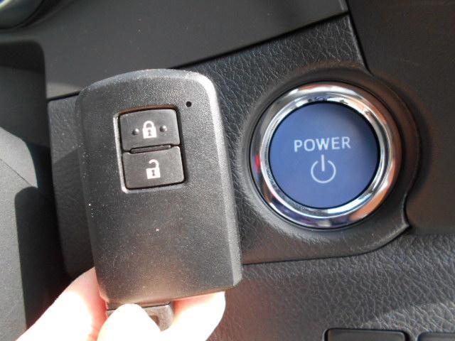 トヨタ オーリス ハイブリッド 自動ブレ-キ 当社試乗車