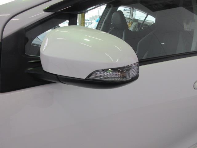 ドアミラーウィンカーは、対向車からの視認性アップで安全性も高まります。
