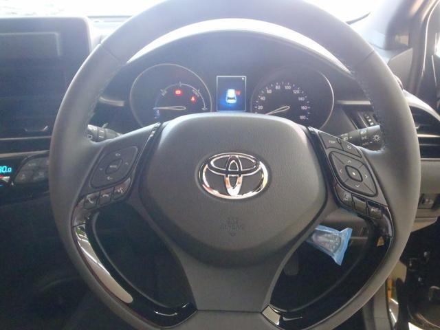 トヨタ C-HR S 衝突回避レーダー LEDフォグ 新品ナビTV 新車保証付