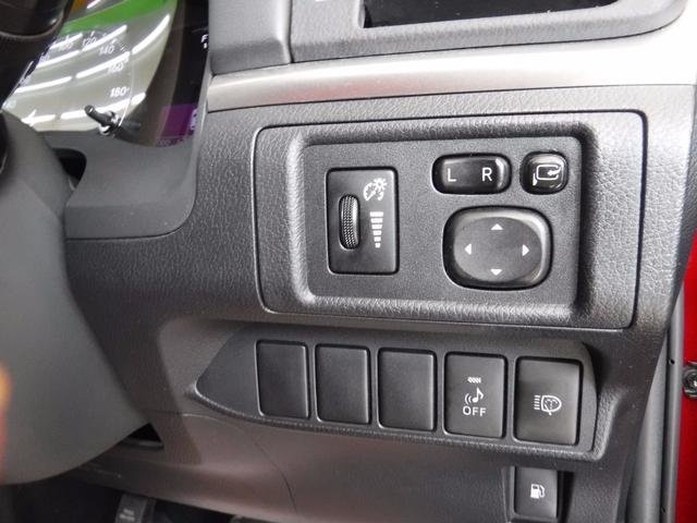 レクサス CT CT200h バージョンC LEDライト 赤黒コンビシート