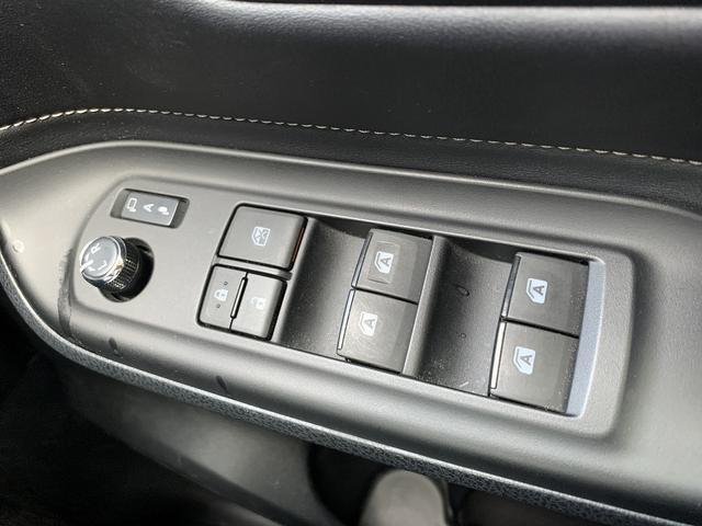 「トヨタ」「エスクァイア」「ミニバン・ワンボックス」「鳥取県」の中古車27