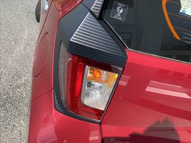 L アイドリングストップ!キーレス!AUX&USB接続CD!Wエアバック!ABS!Pガラス!ライトレベライザー!Rスポ!セキュリティアラーム!燃費良好35.2km/L!(23枚目)