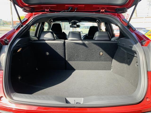 G-T 4WD!セーフティセンスP!フルセグSDナビ!Bカメラ!黒革!LEDヘッド!スマートキー!Pスタート!前席シートヒタ!BSM!DVD再生!SD録音!Bt&SD接続!LEDフォグ!ウィンカーM!(14枚目)