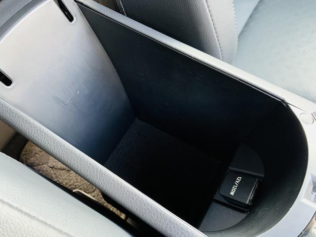 G-T 4WD!セーフティセンスP!フルセグSDナビ!Bカメラ!黒革!LEDヘッド!スマートキー!Pスタート!前席シートヒタ!BSM!DVD再生!SD録音!Bt&SD接続!LEDフォグ!ウィンカーM!(26枚目)