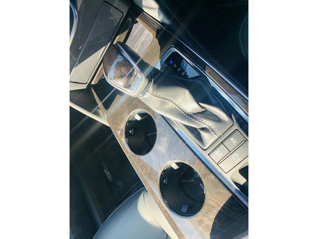 「トヨタ」「クラウンハイブリッド」「セダン」「鳥取県」の中古車33