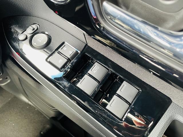 L ホンダセンシング・ナビ装着PKG・電動ドア・LEDライト・スマートキー・Pスタート・前席シートヒーター・クルコン・ウィンカーM・横滑防止・車線逸脱警報・専用エアロスタイル&AW・燃費27Km/L(35枚目)