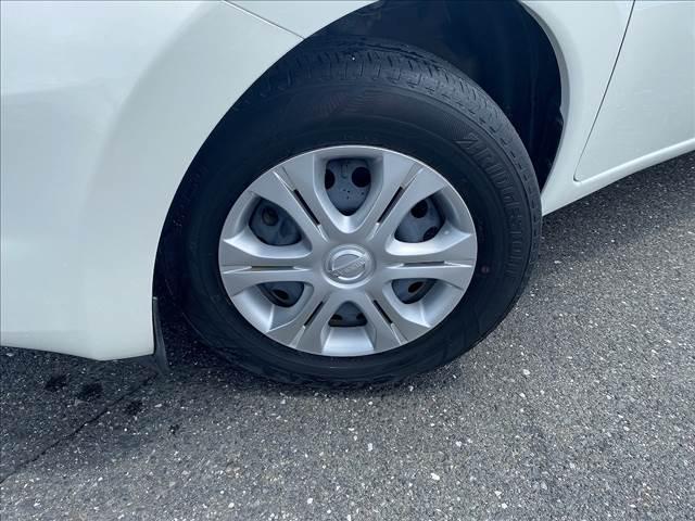 X FOUR 切替4WD・エマージェンシーB・インテリキー・Pスタート・ウィンカーM・AUX付CD・車線逸脱警報・横滑防止・オートAC&ライト・Wエアバック・ABS・ライトレベライザー・燃費良好18.2Km/L(10枚目)