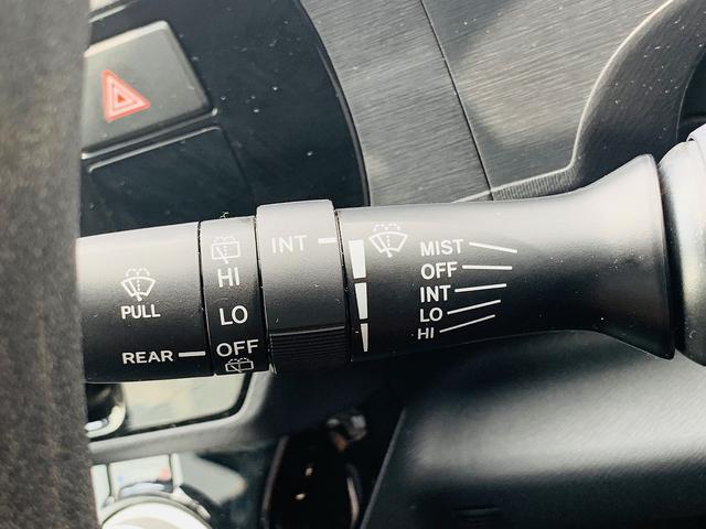 S 地デジSDナビ・Bカメラ・LEDライト&フォグ・スマートキー2個・Pスタート・ETC・Bt&SD&AUX接続・ステアスイッチ・オートミラー&ライト・ウィンカーM・横滑防止(28枚目)