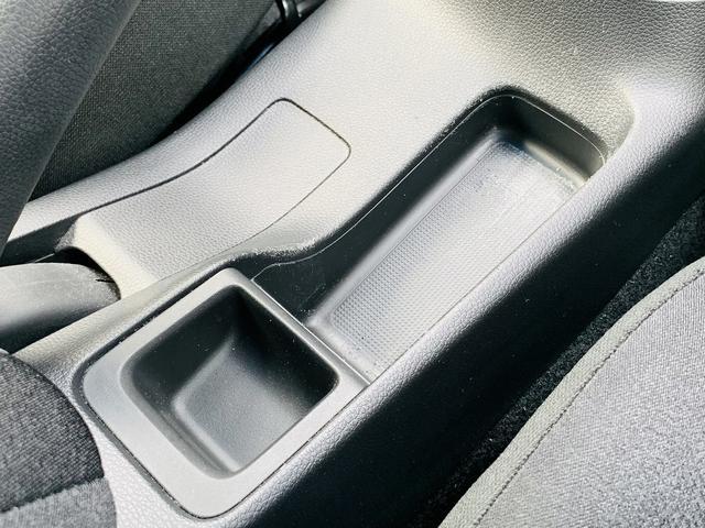 Fパッケージ SDナビ・フルセグ・Bt接続・バックカメラ・衝突軽減ブレーキ・スマートキー・プッシュスタート・ETC・ドライブレコーダー・オートリトラミラー・プライバシーガラス・ウィンカーミラー(32枚目)