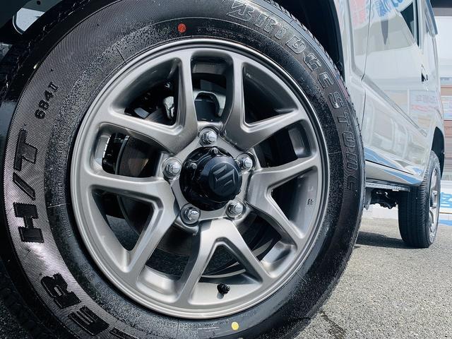 XC 届出済未使用車・4WD・4AT・衝突軽減ブレーキ・ターボ・スマートキー・Pスタート・LEDライト・前席シートヒータ・クルコン・ウィンカーM・オートミラー・背面タイヤ・専用16AW・オートハイビーム(10枚目)