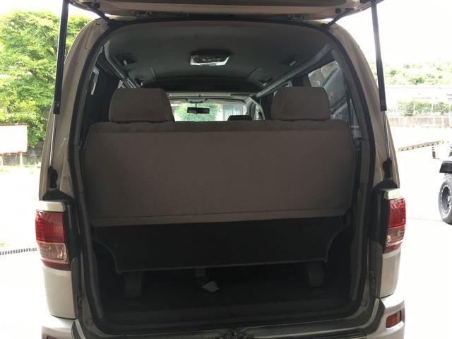 トヨタ レジアス V Lパッケージ ツインムーンルーフ装着車