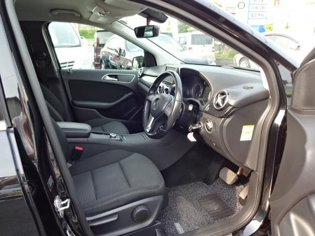 ◎【運転席】機能的な装備が充実した運転席は、走る喜びを感じられる快適空間です。ぜひご覧くださいませ(^.^)