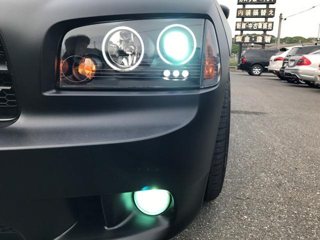 社外ヘッドライト!!インナーブラックでシンプルに決まってます!!