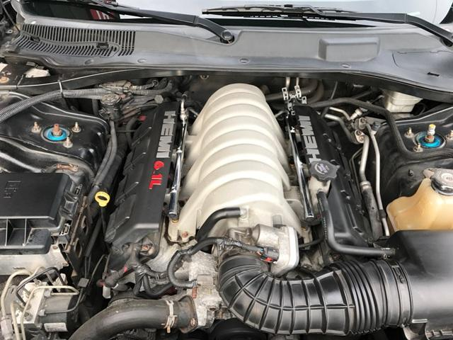 V8 6.1リッターツインプラグ!!爆発的な加速に暴力的なエキソードサウンド!!乗った人にしかわからい喜びです!!