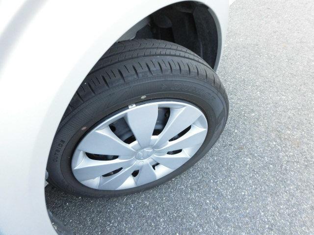 タイヤの残り溝を撮影しました☆タイヤの溝もしっかり残っていますので、安心して走行可能です(^^)/