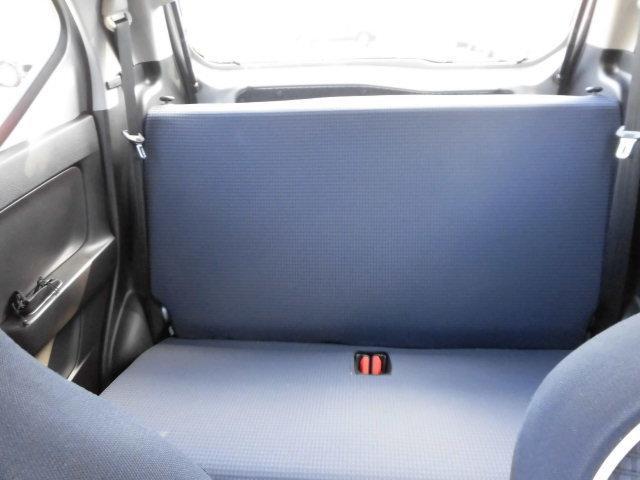 後席は高さもyゆとりのある室内空間です☆