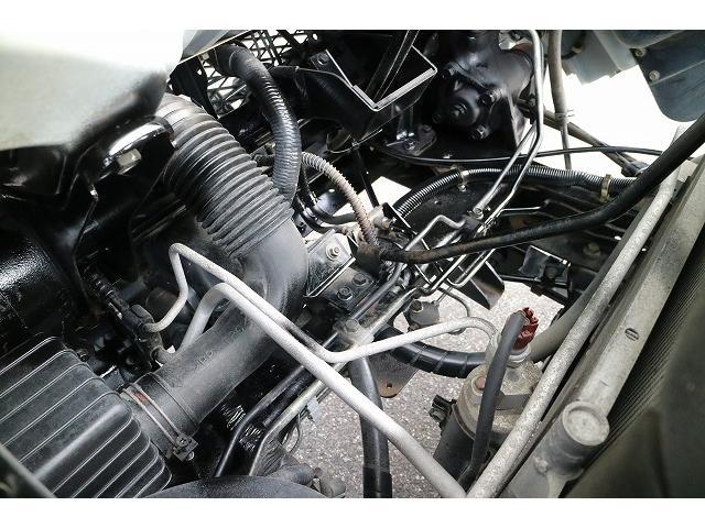 エンジン前シャーシ部分になります。
