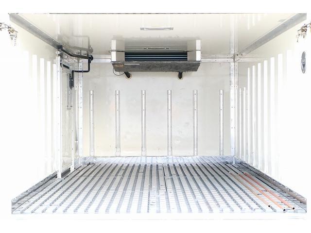 ST低床 冷蔵冷凍車東プレ 1オーナー DTB5速 1.5t(6枚目)