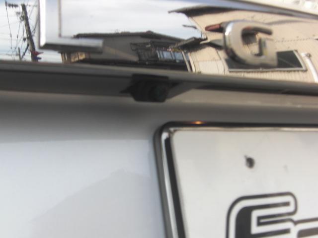バックカメラも当然、装備しています。