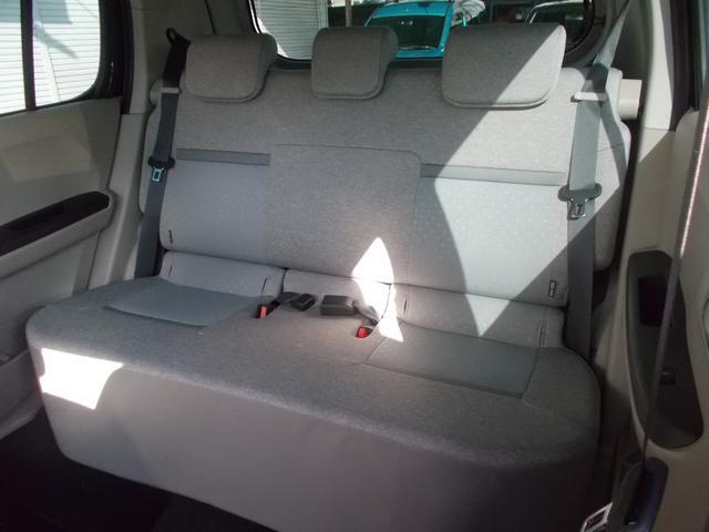 内装:リヤシートの様子