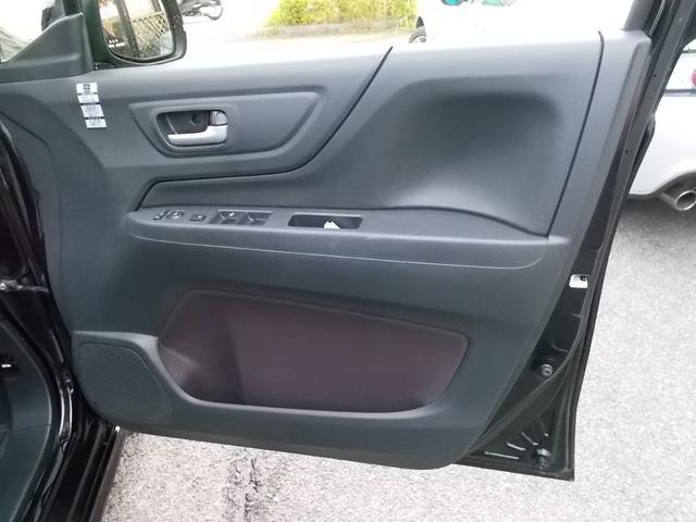 運転席ドア内張の様子