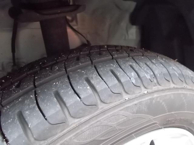 タイヤ残り溝:5分山