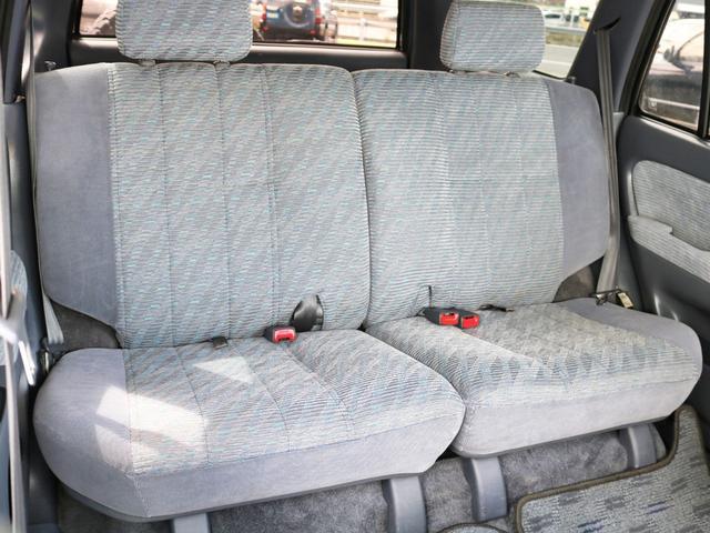 2列目シートのシートアレンジメントにより様々な用途にご利用頂けます!