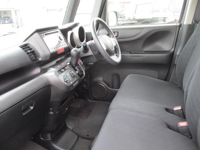 G 4WD ミュージックプレイヤー接続可 HIDヘッドライト 記録簿 アイドリングストップ(15枚目)