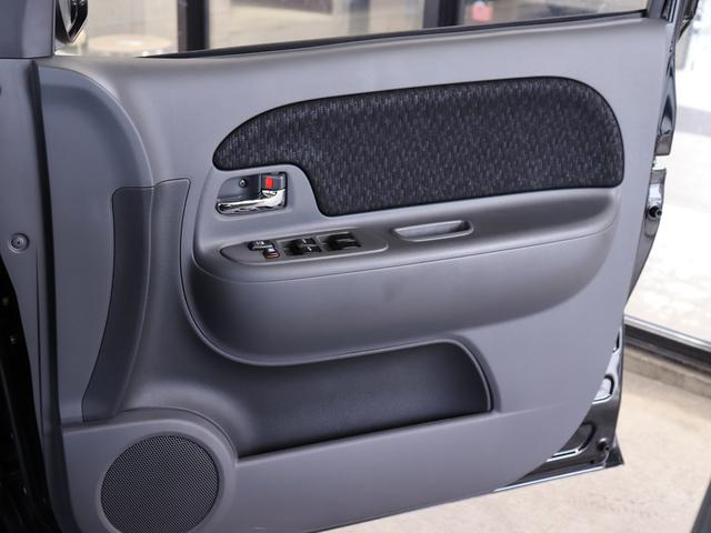 DICEリミテッド ・禁煙車・純SDナビ・フルセグ・バックカメラ・HID・左オートスライドドア・革巻きステア・キーレス・Mウィンカー・3列7名・Bluetooth・DVD再生(37枚目)