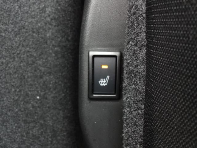 今では当たり前の装備ですが在ると無いとでは快適さが格段に違います。しかもほぼインロック(キーの閉じ込め)の心配がありません。お車を選ぶ時はまず「キーレス付をご確認下さい!!