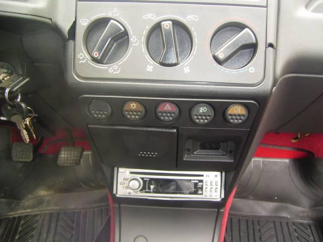 プジョー プジョー 205 GTi-ITS 5速ミッション CDデッキ