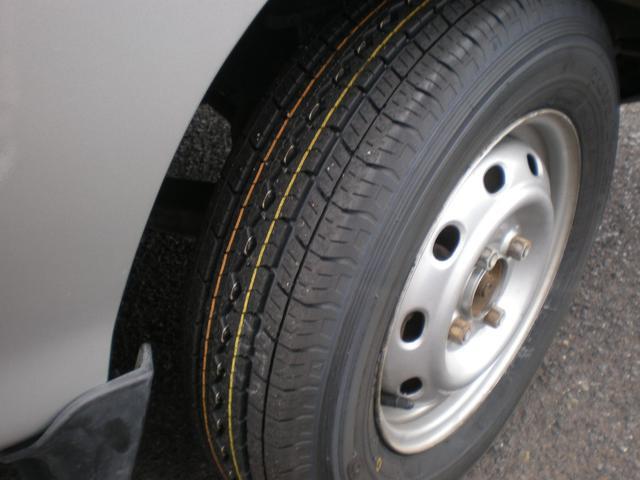スバル サンバートラック TB 4WD エアコン パワステ タイヤ新品