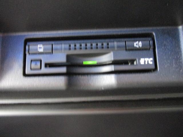 ETC車載器付きで高速道路を使ってのお仕事やドライブがスムーズで割安になります。