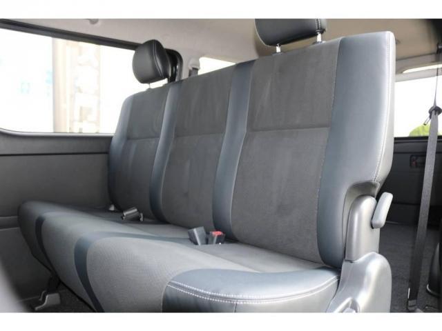 リクライニング・前方跳ね上げ可能なセカンドシート♪座り心地も良く、長距離ドライブもお楽しみ頂けます☆