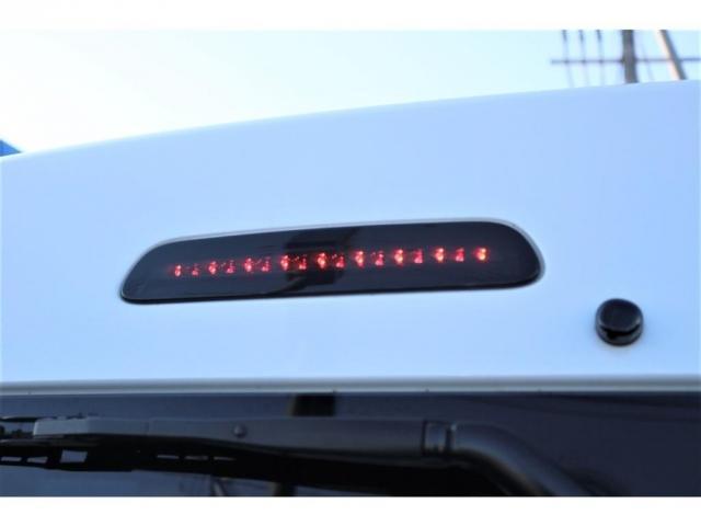 GL 4型ワゴンGL FLEXカスタム ガソリン 2WD 高年式 低走行 2.5インチローダウン 17インチアルミホイール 黒革調シートカバー フットパネル ナビ バックカメラ ETC(10枚目)