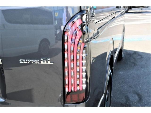 スーパーGL ダークプライムII アウトドアパッケージ ダークプライムII ディーゼル 2WD トヨタセーフティセンス フロントバンパースポイラー 16インチアルミホイール リーガルフェンダー LEDテールランプ ナビ ETC(10枚目)